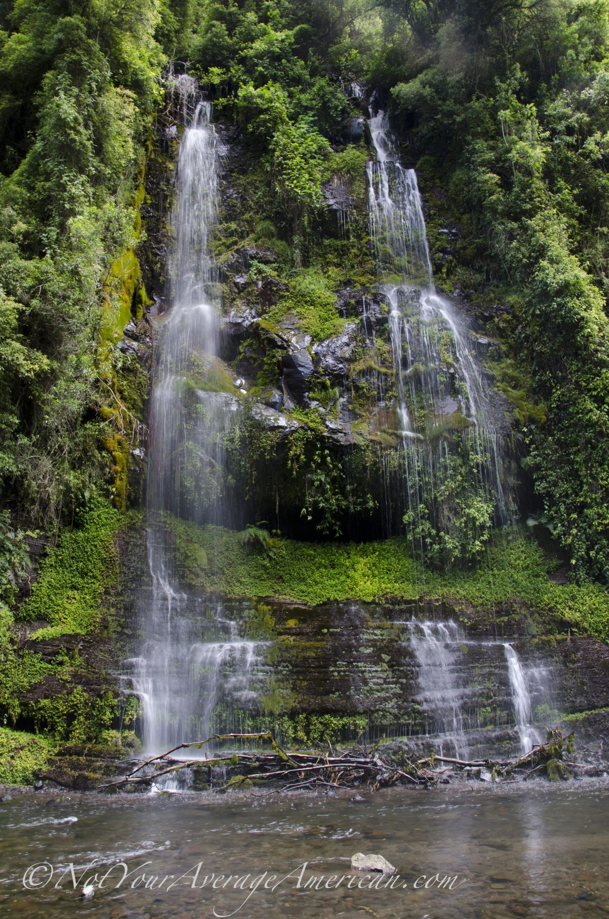 Dripping Water, Cascada Condor Machay, Ecuador