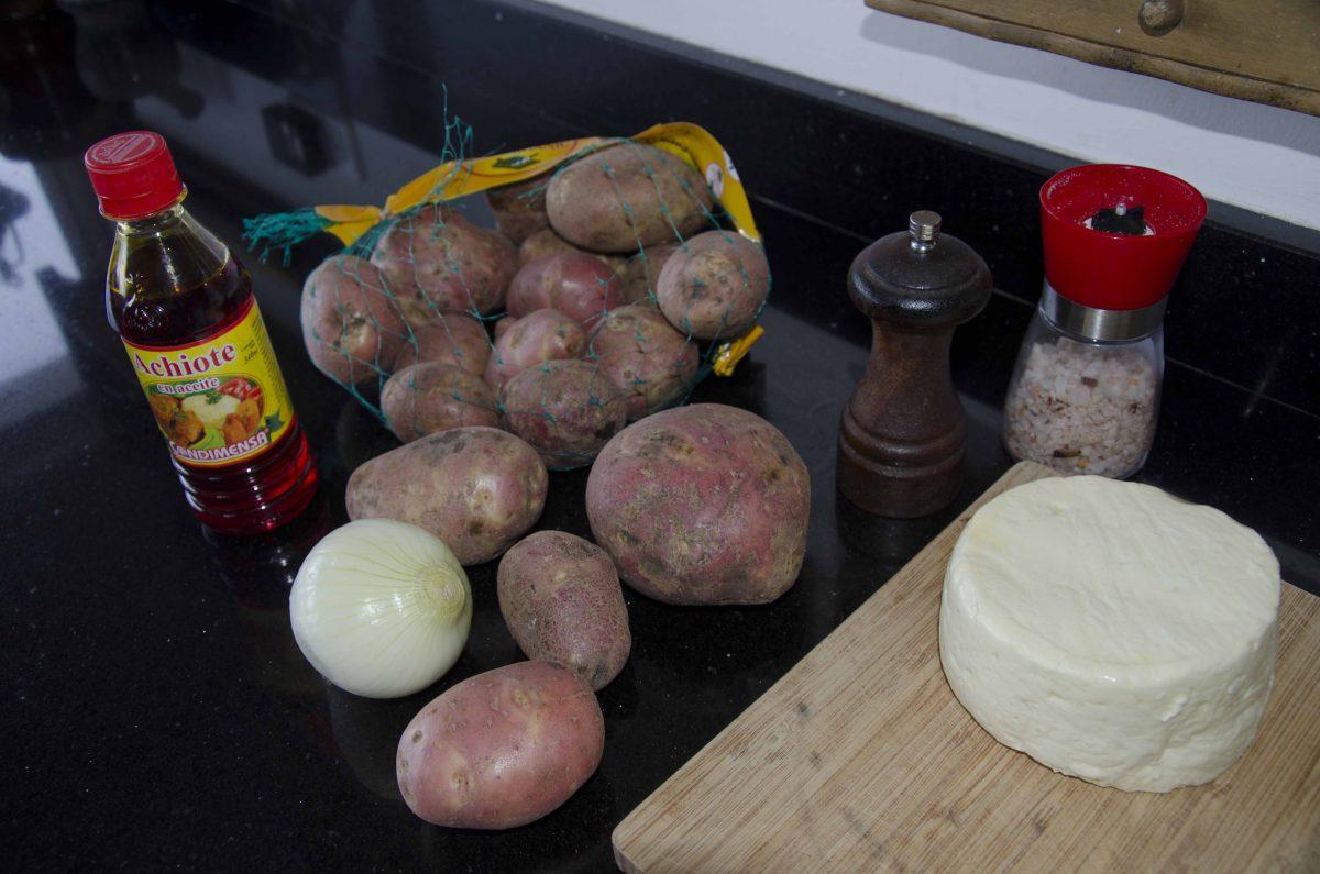 Ingredients for Llapingachos | ©Angela Drake