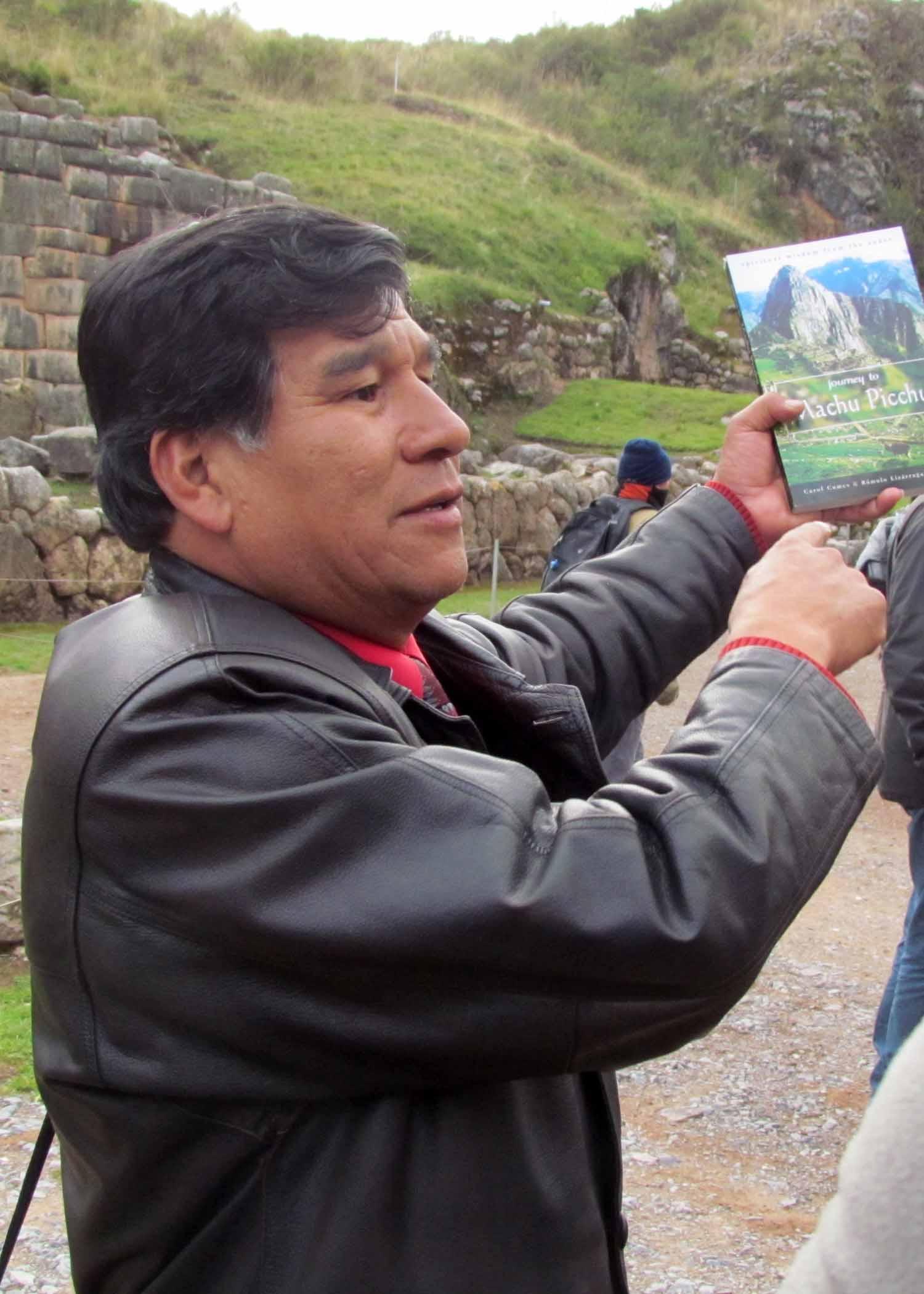 Our guide, Rómelo Lizárraga Valencia | ©Angela Drake