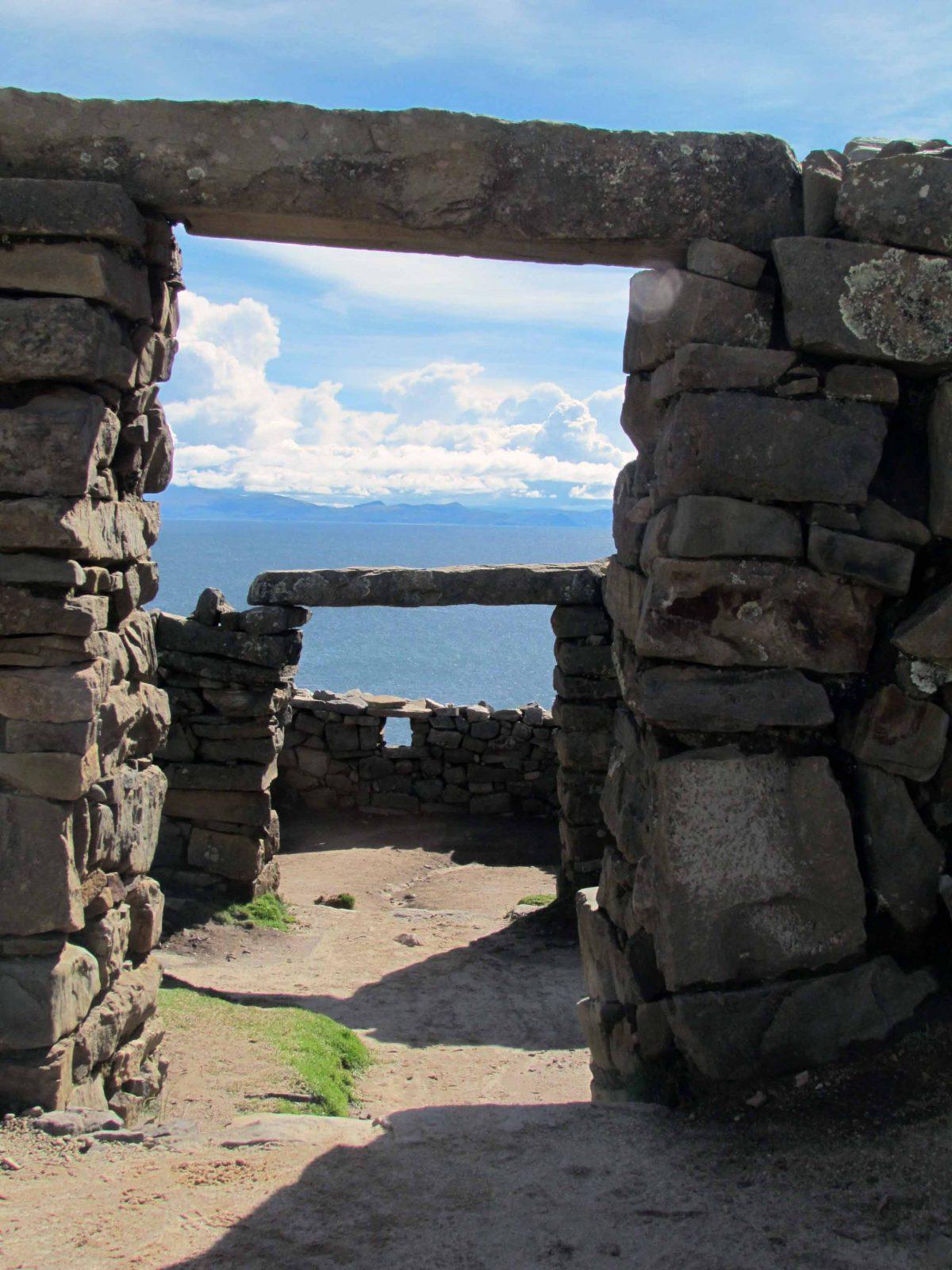 Archways at the Chicana ruins, Isla del Sol, Bolivia | ©Angela Drake