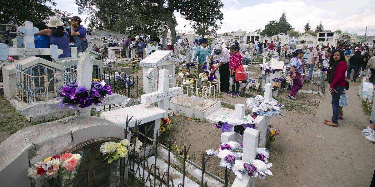 Día de los Difuntos, Calderón Cemetery, Quito, Ecuador   ©Angela Drake