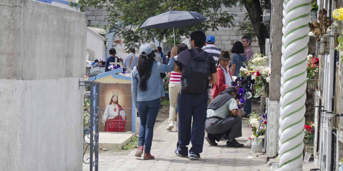 Strolling the Cemetery, Día de los Difuntos, Calderón   ©Angela Drake