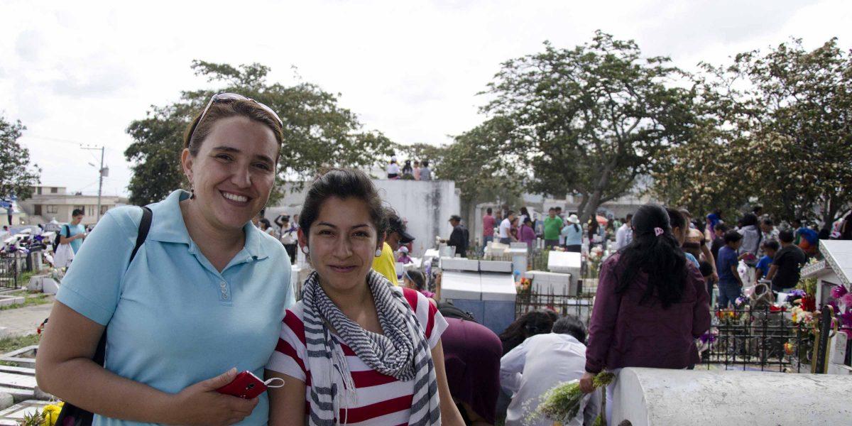 Irma Bartels and Dayana Montufar, students from the Universidad de Especialidades Turísticas (UCT)   ©Angela Drake