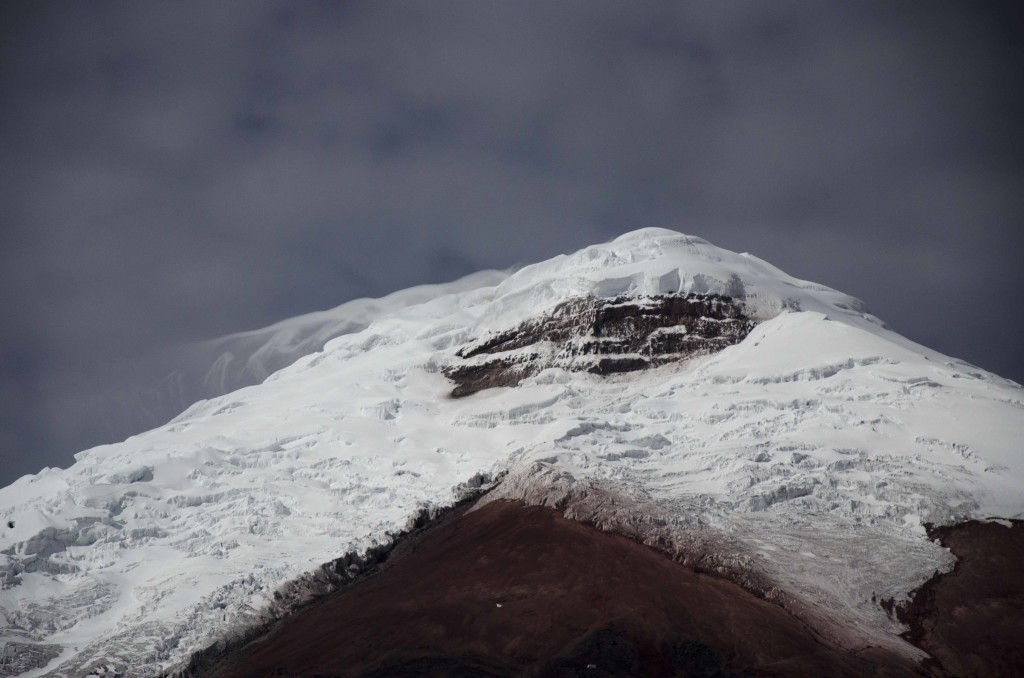 Winds flirt with Cotopaxi