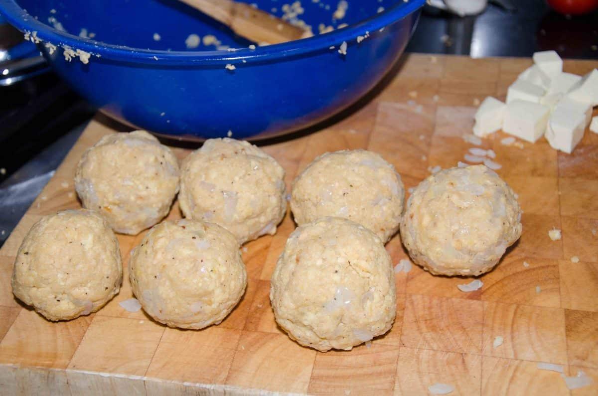 Keep forming balls; recipe for Bolón de Verde