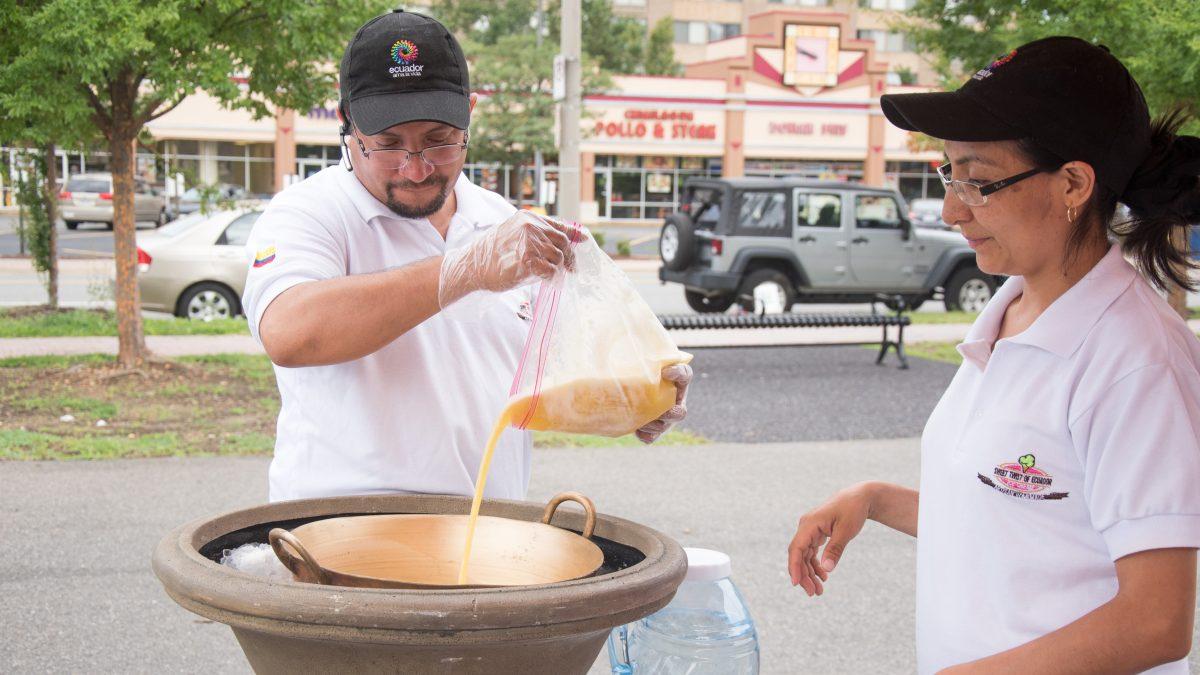 Mauricio making Ecuadorian Ice Cream