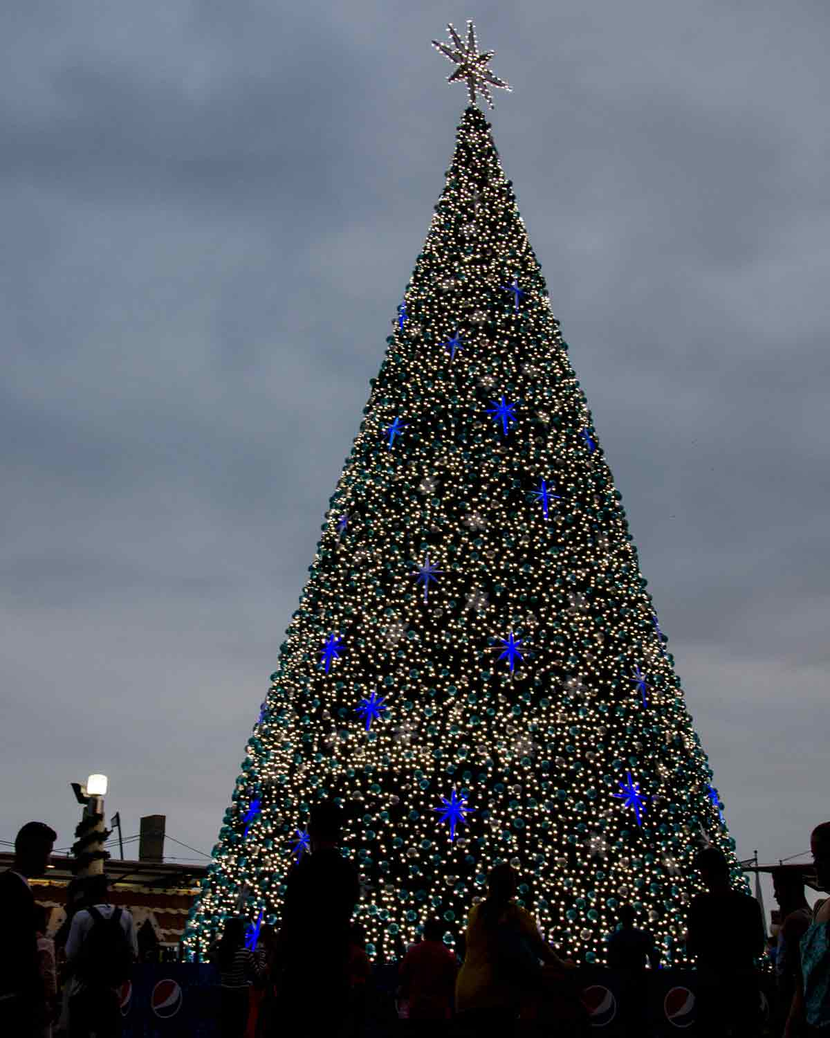 Christmas Tree in Guayaquil, Ecuador | ©Angela Drake / Not Your Average American