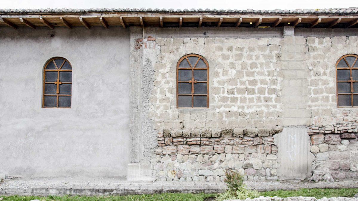 Original and modern walls of the Colonial Church in Sicalpa Viejo, Ecuador | ©Angela Drake / Not Your Average American