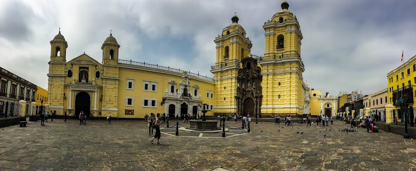 San Francisco Basilica, Lima, Peru | @Laura Frasse