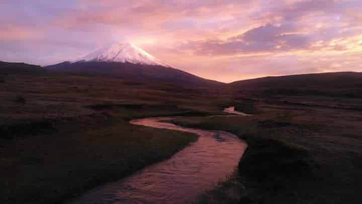 Cotopaxi from North Entrance of the National Park | ©Geovanny Gustavo, published with permission