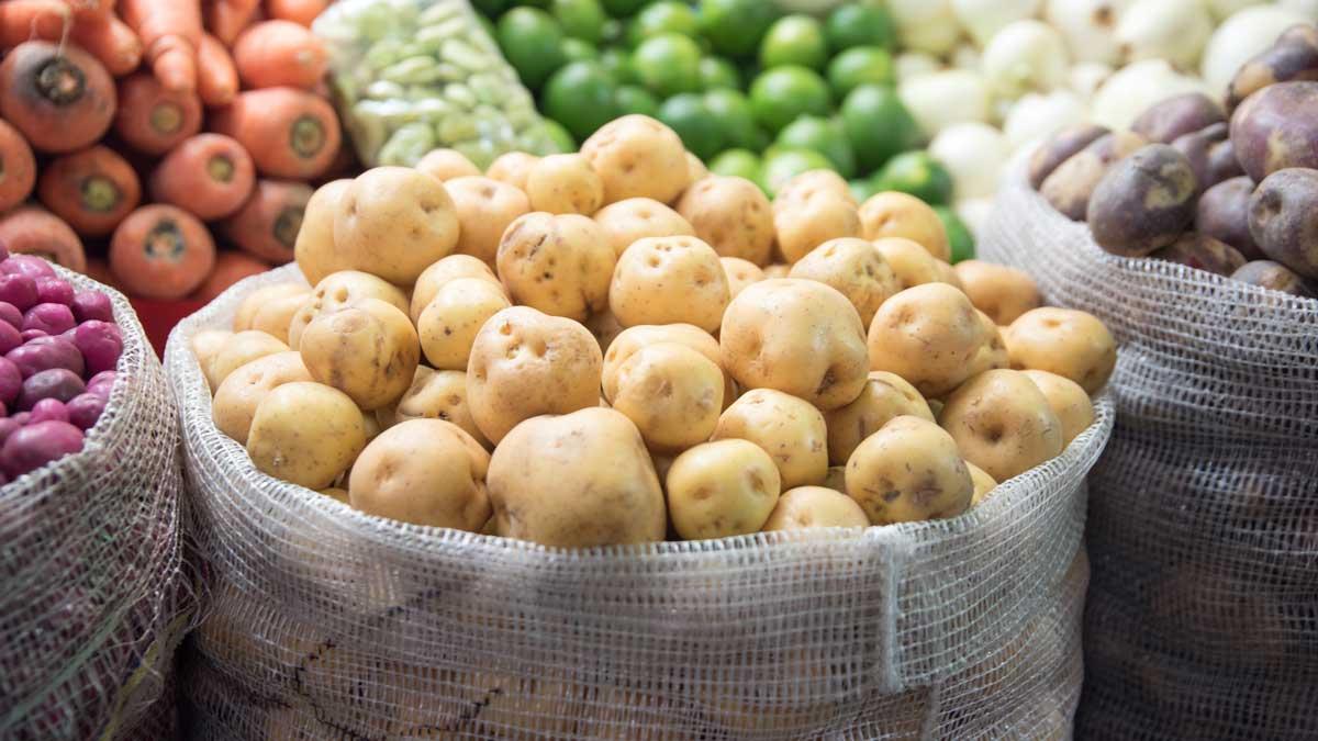 Potatoes, Plaza Mercado de Paloquemao   ©Angela Drake