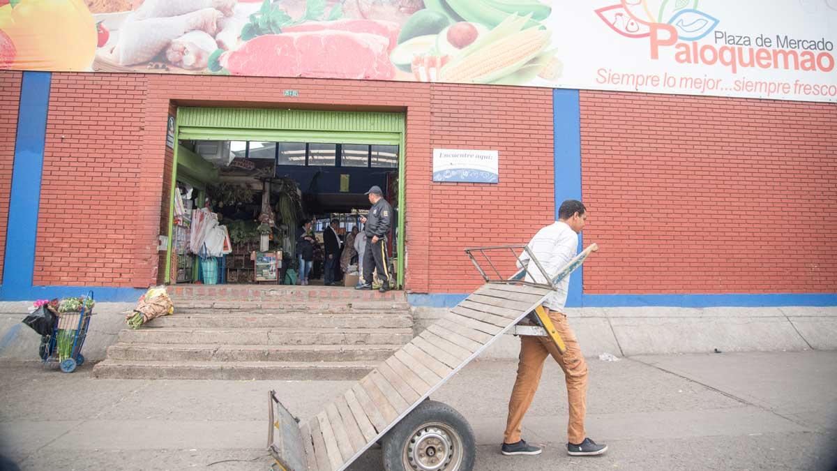 Plaza Mercado de Paloquemao   ©Angela Drake