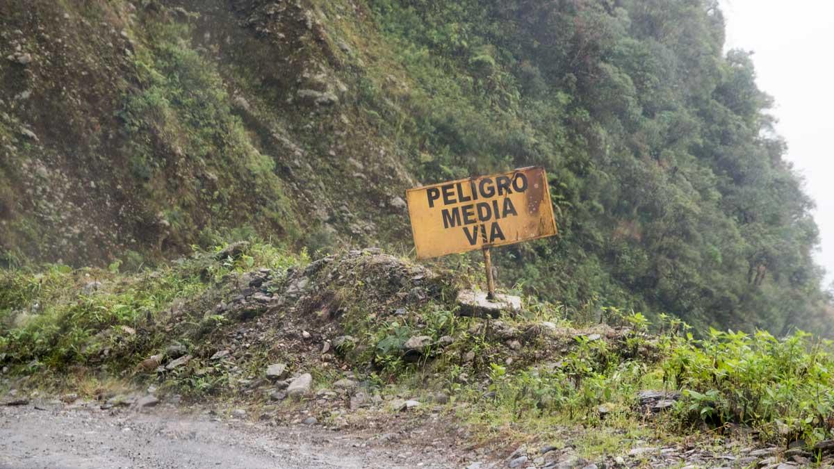 A Narrow Road Sign Along Highway 682 | ©Angela Drake