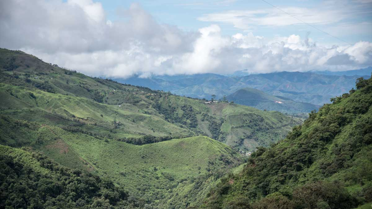 Views near Guizhaguiña   ©Angela Drake