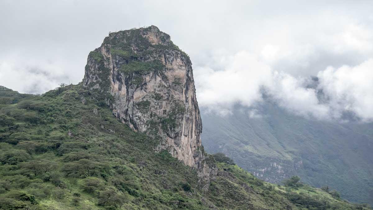 Roca de Gigatones near Giron, Ecuador | ©Angela Drake