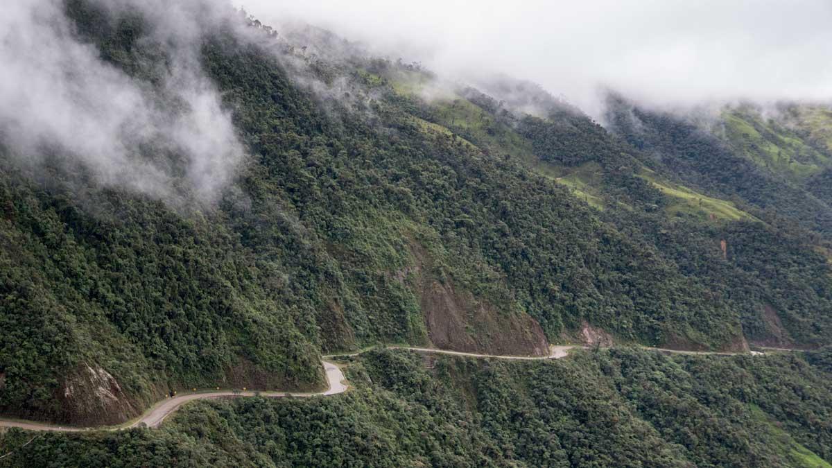 Highway to The Tapichalaca Reserve, Zamora Chinchipe, Ecuador | ©Angela Drake
