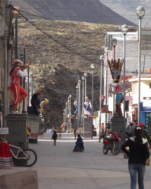 Avenida Salaverry, Chivay, Peru | ©Eleanor Hughes