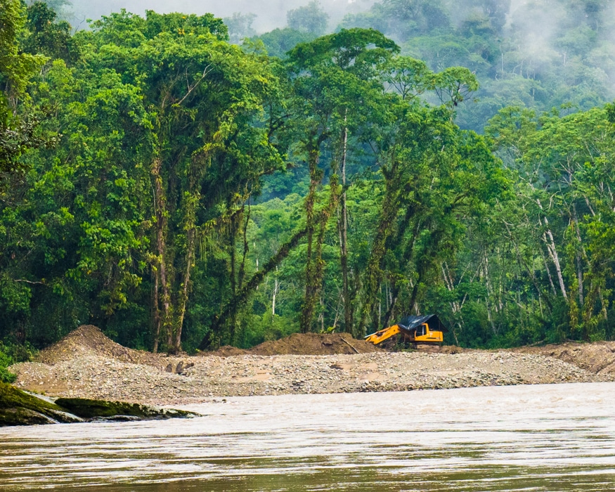 The first excavator of the river trip was an unpleasant surprise. |©Ernest Scott Drake