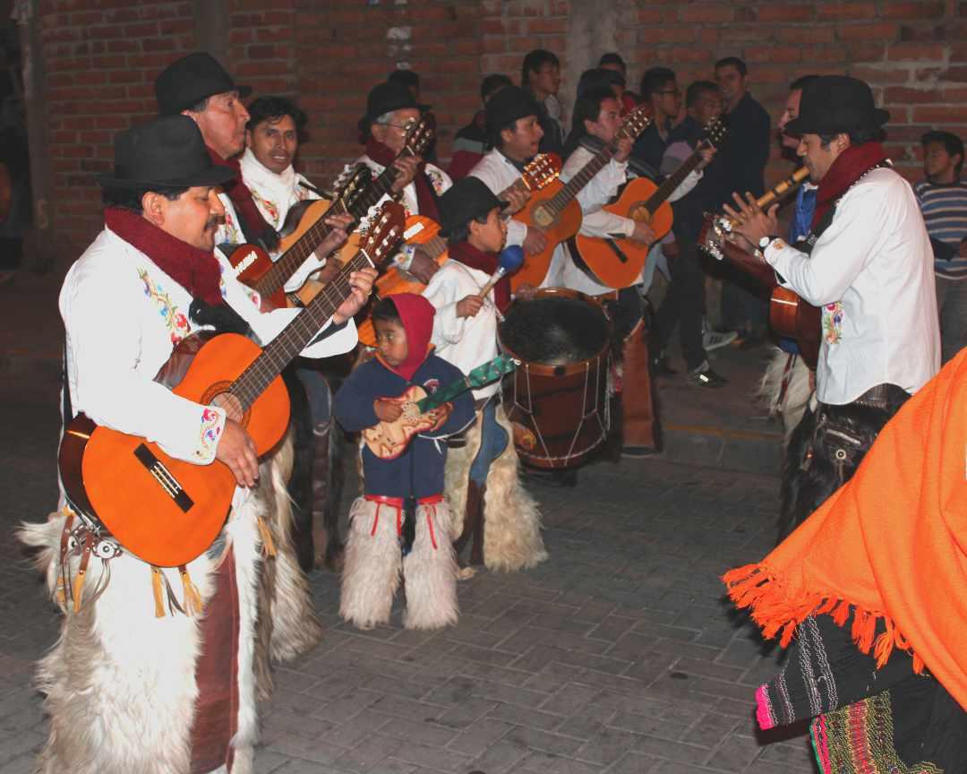 La Noche San Pedrina en Tabacundo, Ecuador | ©Jacqueline Granda